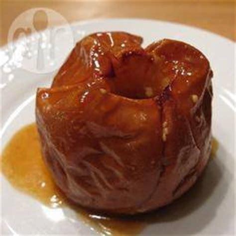 recette pommes au four 224 la cr 232 me et au caramel toutes les recettes allrecipes