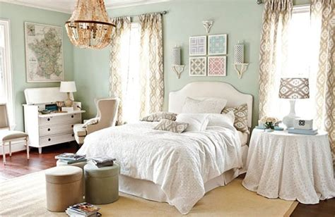 Bedroom Decorating Ideas  How To Decorate