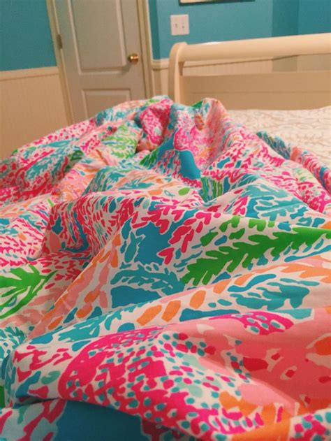15 must see pulitzer bedding pins apartment bedroom decor preppy room and preppy
