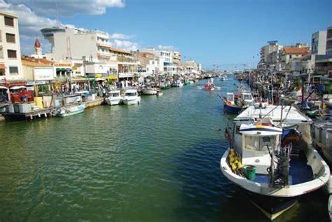 location appartement le grau du roi a 5 minutes de la plage 23050001 location et vacances