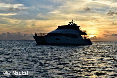 Power Catamaran Rentals Bahamas by Catamaran Rent Horizon 60 In Nassau Bahamas Nautal