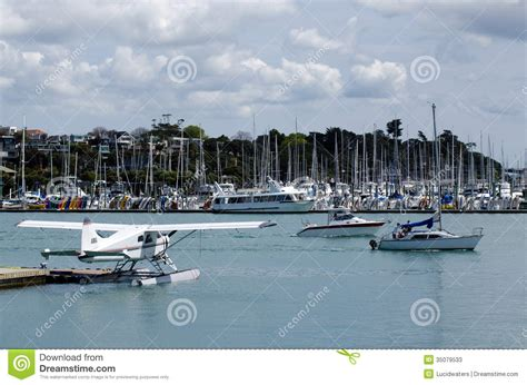 Boat Dealers Auckland New Zealand by Auckland Harbor Bridge In Auckland New Zealand Nz