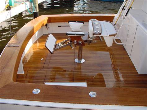 Older Model Deck Boats by Https Www Google Search Q Fighting Chair Sport