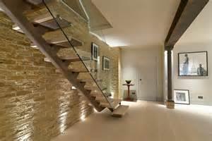 comment fixer un escalier maison design hompot
