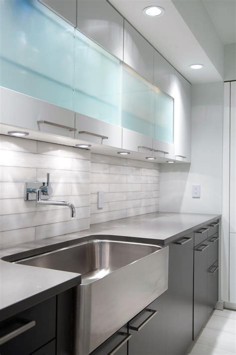 Wall Mounted Kitchen With Two Tone Cabinets Kitchen Modern