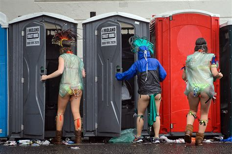 notting hill carnival weather won t den spirits at photos