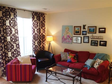 Red Couch Living Room—attractive Living Room Ideas Teal Walls What Colour Curtains Double Swag Shower Curtain Attached Valance Ruffled Ticking Stripe Black Almond Dupioni Silk Blackout Wedgewood Blue Uk Vertical Blinds With Sheer Thermal Backed Cleaning Making A Curved Rod