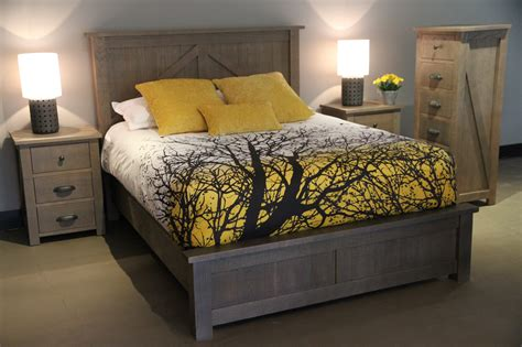 Furniture : Farmhouse Bedroom Suite