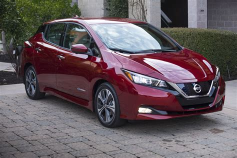 Infographic Compares New 2018 Nissan Leaf To 2011 Version