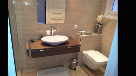salle de bains ergonomique moderne