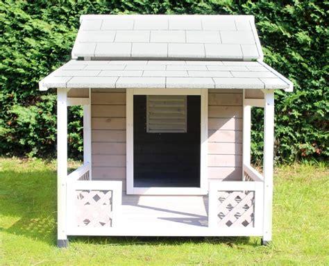 niche en bois avec terrasse pour grand chien zolia falco niche