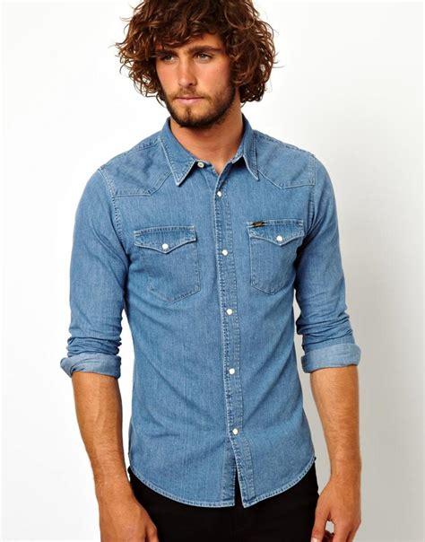 chemise en jean homme attention au look cowboy