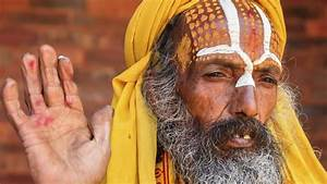 What Is a Hindu Religious Leader Called? | Reference.com