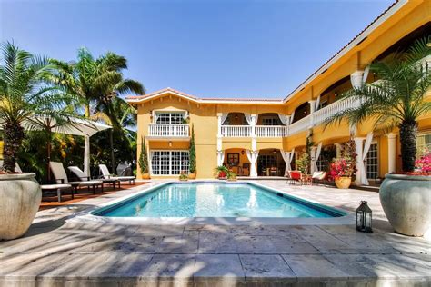 amazing value mediterranean style homeaway hallandale