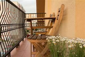 Balkonmöbel Für Kleinen Balkon : balkonm bel f r kleinen balkon tipps f r kleine balkone ~ Markanthonyermac.com Haus und Dekorationen