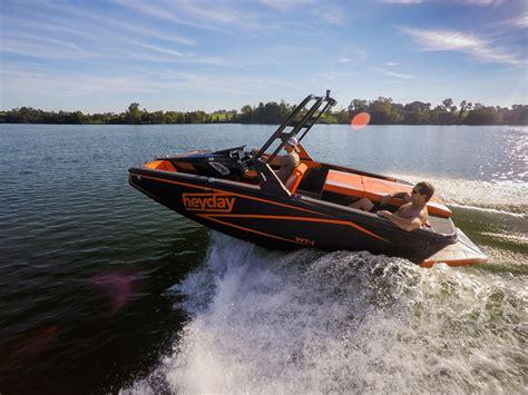 Heyday Wake Boats Price by Bayliner Boats Buys Wakesurfing Brand Boats