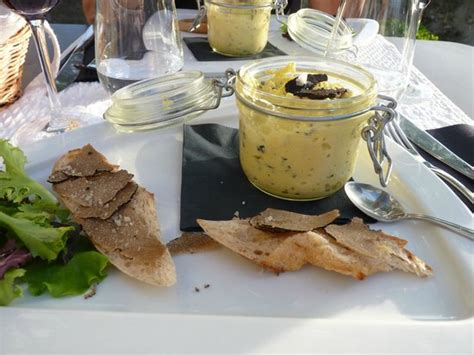 ravioles au fromage et truffes picture of maison de la truffe et du vin du luberon menerbes