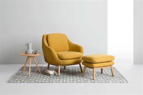 fauteuil jaune la couleur intemporelle et tendance touslescanapes
