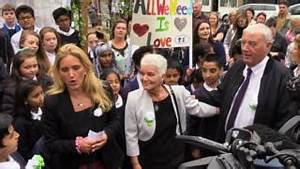 Great Get Together events honour Jo Cox - BBC News