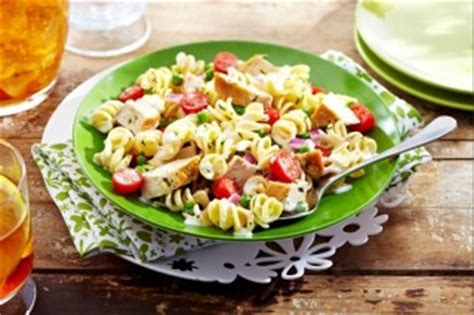 salade de p 226 tes au poulet recettes wikibouffe