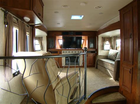 Front Living Room Fifth Wheel White Gloss Bathroom Tiles Small Ideas Photo Gallery Pics Of Bathrooms Blueprints Wallpaper Tiny Designs Campers With For Sale Paint Color