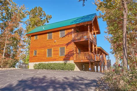 pigeon forge cabin view more 4 bedroom sleeps 12 swimming pool access