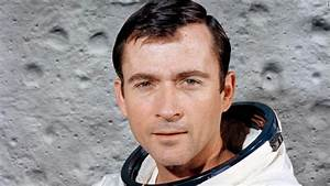 John Young, Moonwalker And Early Shuttle Commander, Is ...