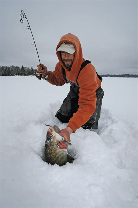 Boating Accident Green Bay Wi by Ice Fishing Whitefish In Fisherman