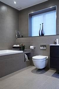 Badezimmer Fliesen Ideen Grau : 82 tolle badezimmer fliesen designs zum inspirieren ~ Markanthonyermac.com Haus und Dekorationen