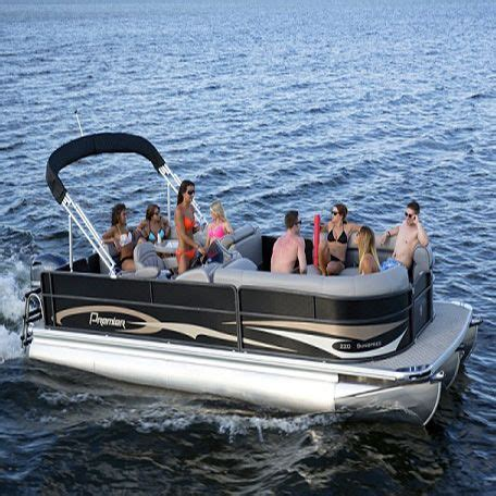 Best Pontoon Party Boats by Best 25 Pontoon Boat Party Ideas On Pinterest