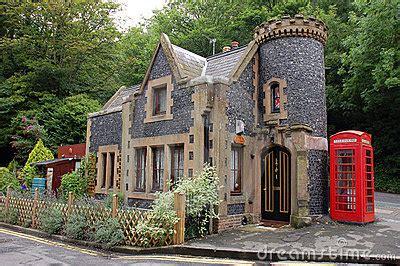 Kleines Haus In England Lizenzfreies Stockfoto  Bild 1768835