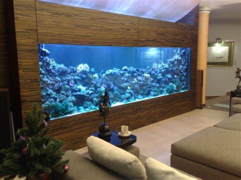 aquarium dans le salon en plus de 100 id 233 es magnifiques
