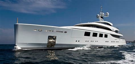 Motor Boats For Sale In Europe by Luxury Yacht Sales How To Purchase Superyachts For Sale