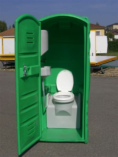 cabine wc autonome mini maxi sanitaires de chantier abri de chantier roulotte de chantier