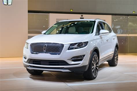 New 2019 Lincoln Mkc Sports Updated Face, Crashsafety Tech
