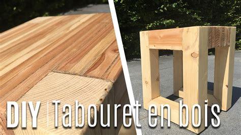 fabriquer un tabouret table de nuit avec du bois de palette