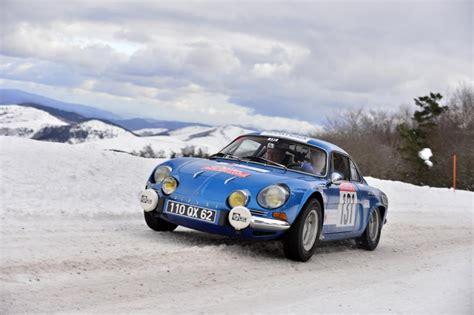 philippe termine 149e du rallye monte carlo historique avec sa renault alpine aux couleurs de la