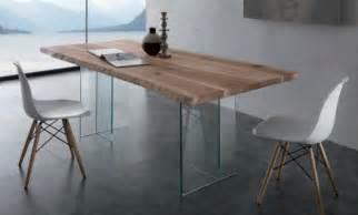 table en verre design pour un espace de vie chic et moderne