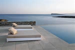 carrelages et dalles sur plots pour terrasse et contour de piscine bouches du rh 244 ne les