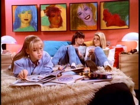00s Home Decor : Best 90s Tv Show Rooms