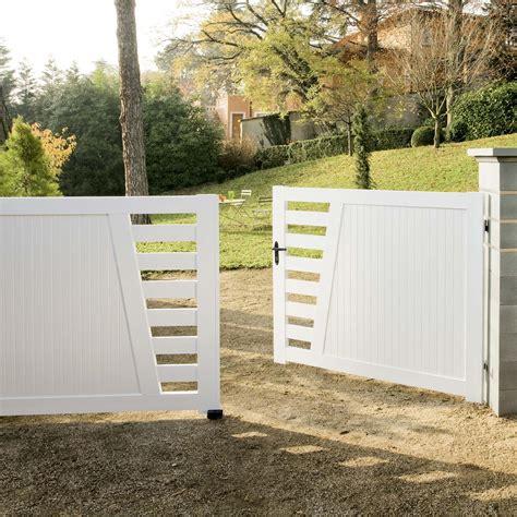 portail battant pvc cedrela blanc l 300 x h 130 cm leroy merlin