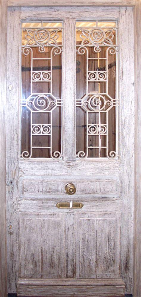 porte en ch 234 ne et grille en fer forg 233 portes d entree portes vitr 233 es portes antiques