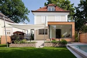 Holzanbau Am Haus : sleek glass and wood house extension with matching swimming pool ~ Markanthonyermac.com Haus und Dekorationen