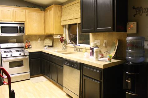 Kitchen Paint Colors With Oak Cabinets Ideas Quality Kitchen Makeovers Yellow Red Foodies Urban 90's Makeover Cabinets Open Galley Contemporary Accessories Rugs