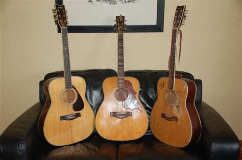 Yamaha Fg 300 Acoustic Guitar For Sale in Listowel, Kerry