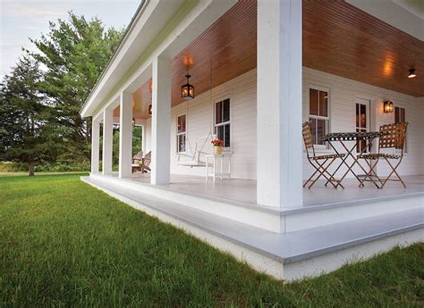 70 Rustic Farmhouse Porch Steps Decor Ideas Dining Room Layout Ideas Lexington Sets Wooden Set Private Rooms London Living Spaces Chairs Nj Black And White Decor Used Furniture Toronto