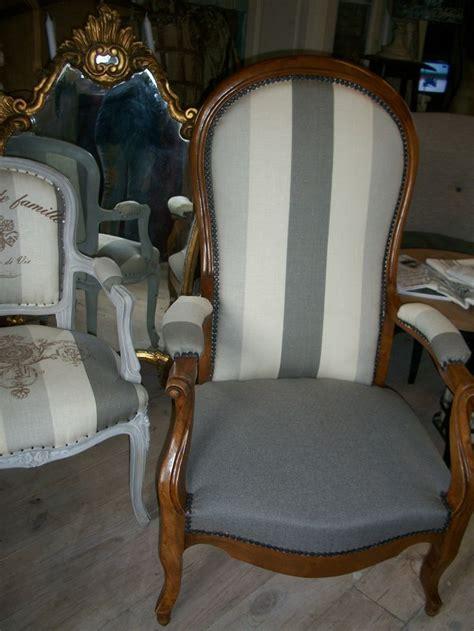 1000 id 233 es 224 propos de fauteuil voltaire sur retapisser un fauteuil capitonnage et