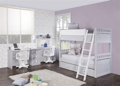 chambre avec lit et bureau chez ksl living