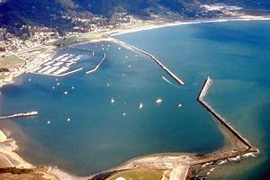 Pillar Point Harbor - Wikipedia