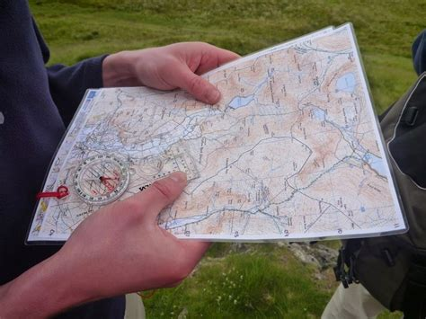 How To Use A Compass Fundamentals Of Orienteering
